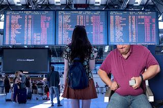 شركات الطيران تسعى لوزن المسافرين مع حقائبهم !