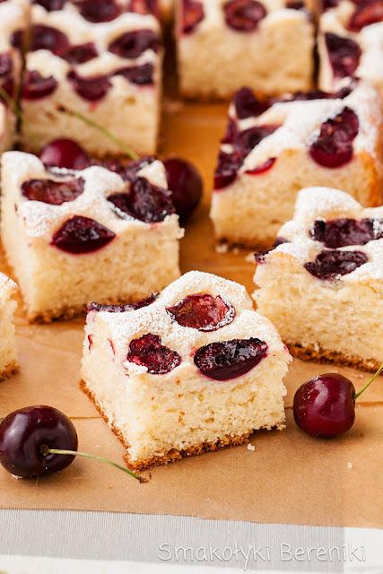 Ciasto drożdzowe z owocami bez wyrabiania