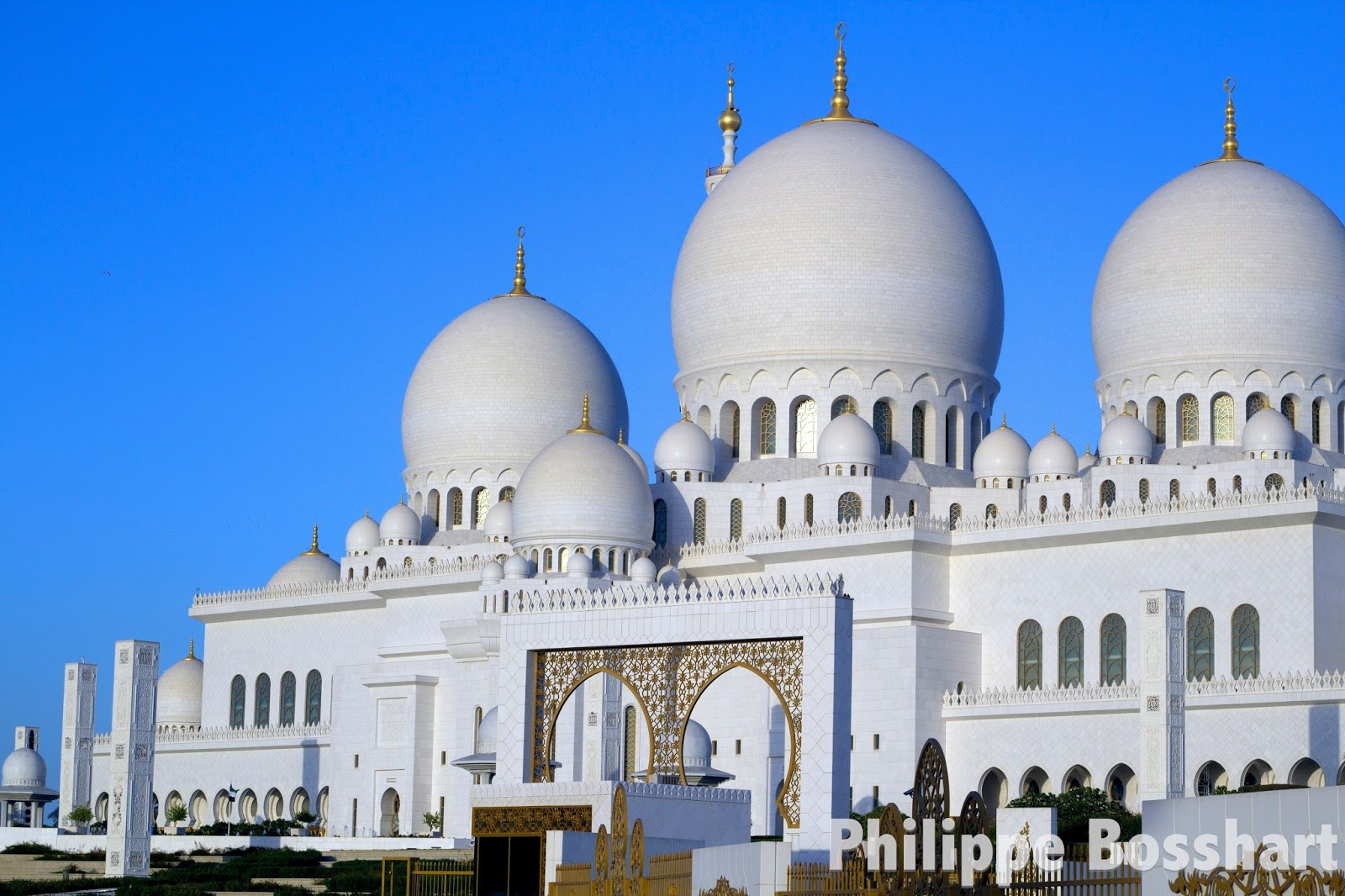 Sheikh Zayed Grand Mosque, one of the world\'s most photogenic ...