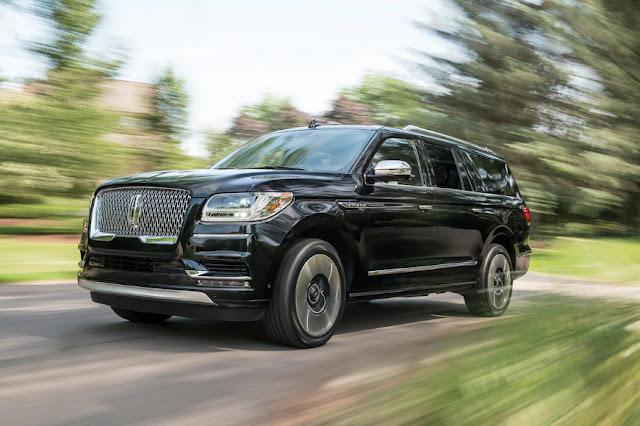 Lincoln Navigator борется за продажи с Cadillac Escalade