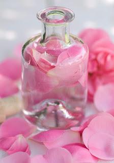 Agua de Rosas Para Las Estrias