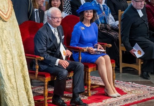 Archbishop Antje Jackelén. Åsa Nyström was ordained Bishop of Luleå and Thomas Petersson was ordained Bishop of Visby. Silvia wore blue dress