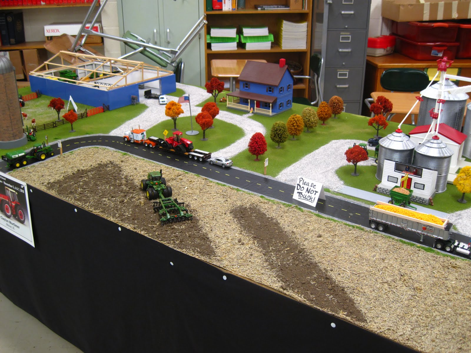 Zac S Tractors 2010 National Farm Toy Show Pictures