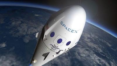 Elon Musk revela l'aspecte a cos complet del nou vestit espacial d'SpaceX