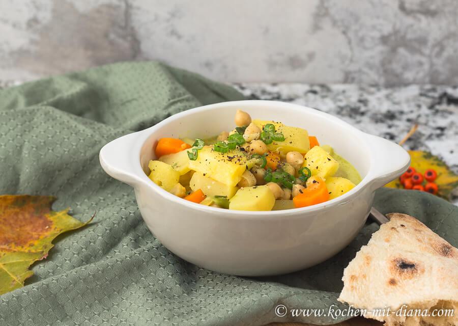 Kichererbsencurry mit Ananas