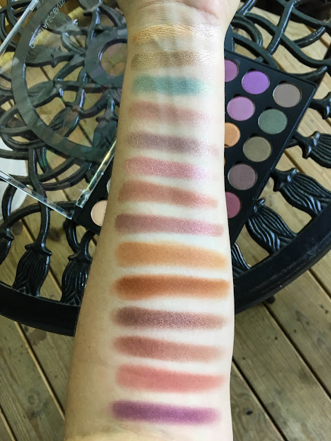 coastal scents shadow pots hot pots 2017 palette swatch swatched swatches
