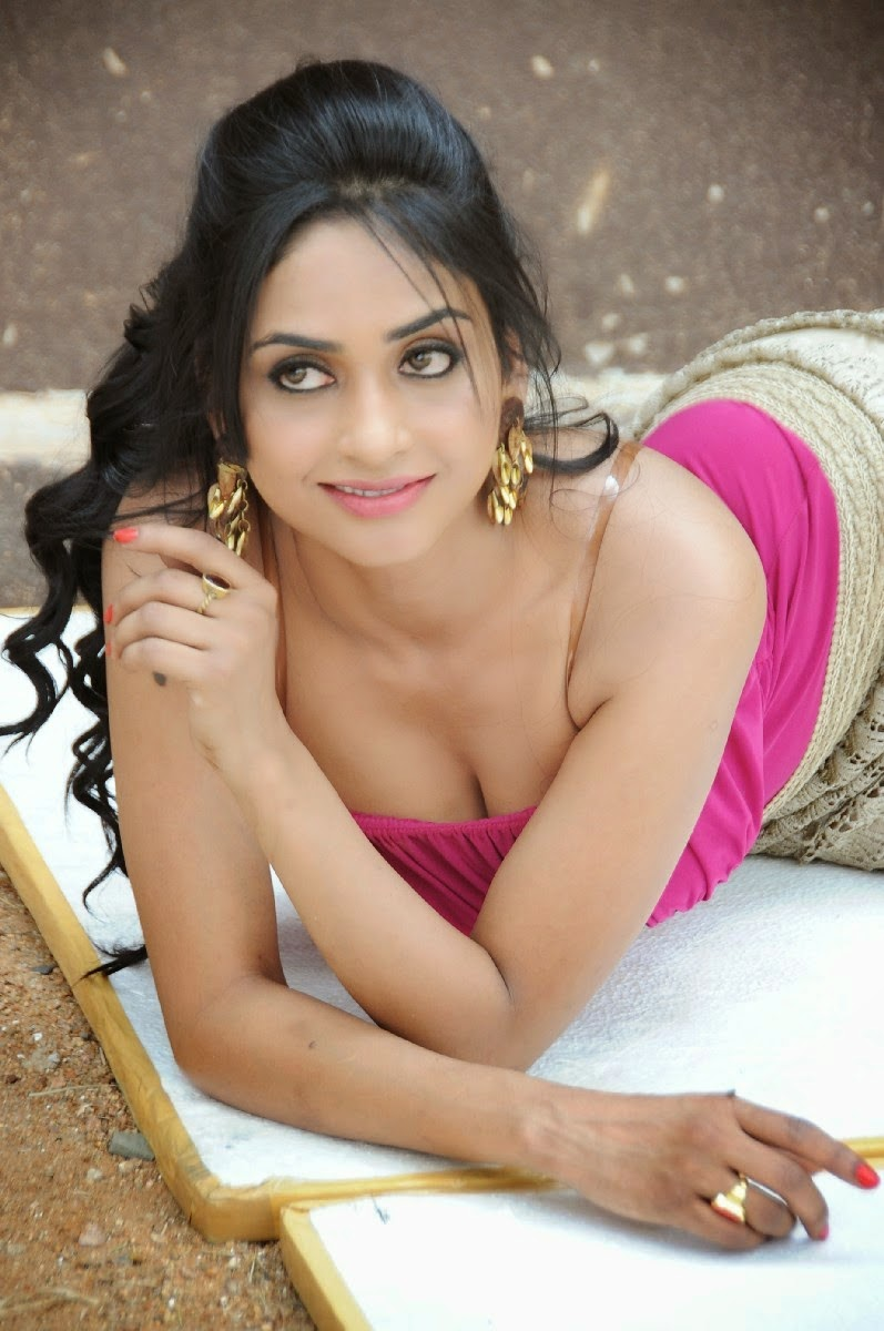 Poojasri Hot Photo Gallery - Cinema65 Gallery