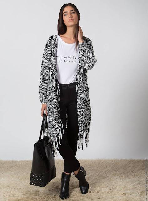 Sacos, ruanas y ponchos invierno 2016 Marcela Pagella. Moda invierno 2016.