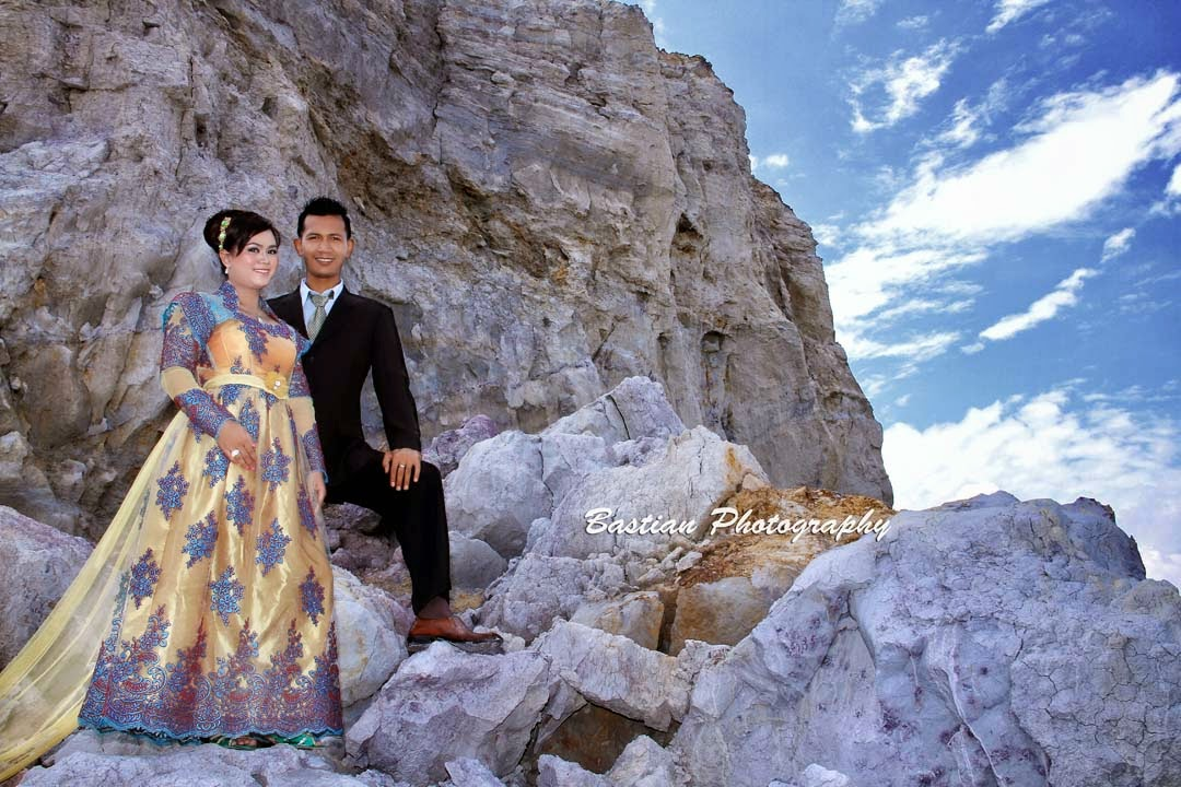contoh foto pre wedding,foto prewedding outdoor unik,foto prewedding outdoor casual,prewedding outdoor murah,prewedding outdoor pantai,gambar contoh foto prewedding,Contoh foto prewedding outdoor,