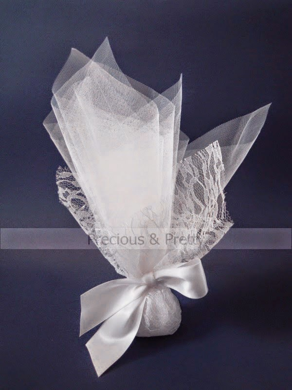 Lace wedding favors