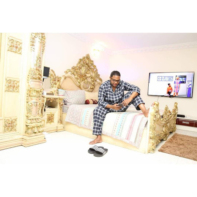 E Money shows off his exquisite bedroom,prays before he sleeps