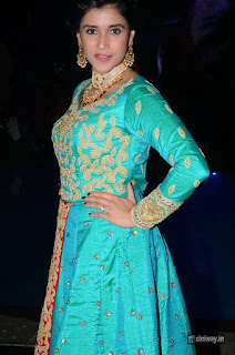 Mannara Chopra Stills at Wedding Wows Fashion Show