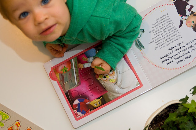 książka puzzle Masza i niedźwiedz