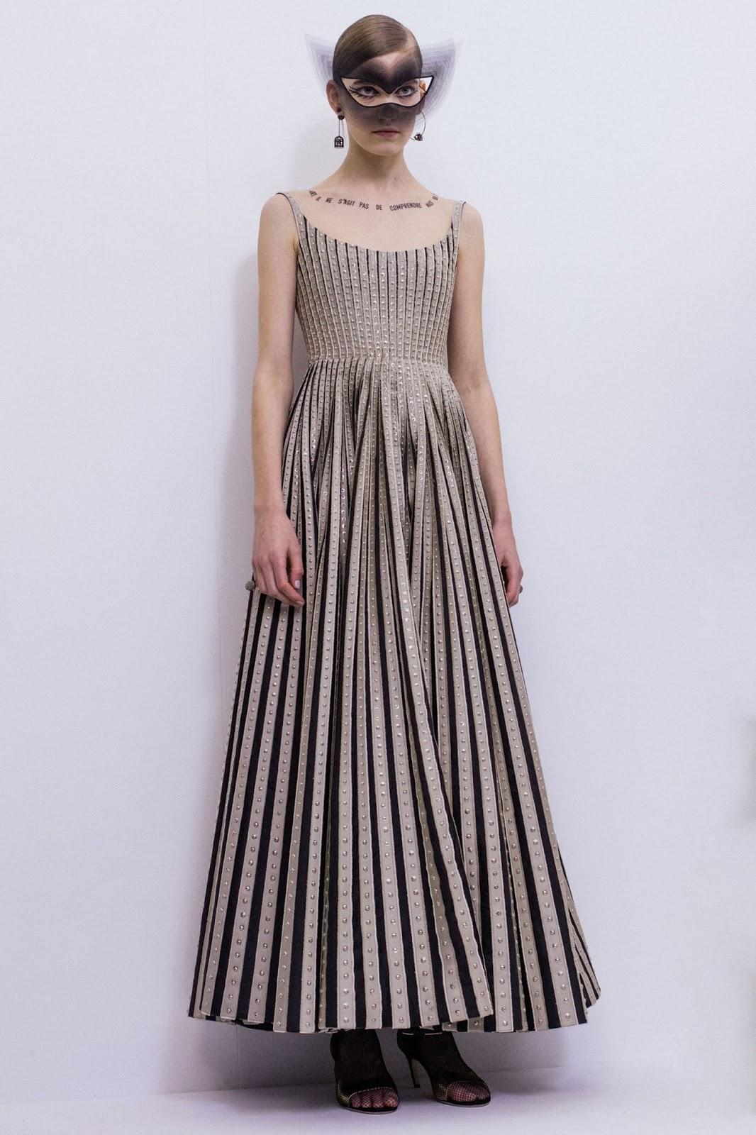 dior-couture-ss18, dior-haute-couture-ss18, dior-couture, Maria-Grazia-Chiuri-dior, paris-fashion-week-2018, pfw2018, pfw-2018, pfw-18, défilé-haute-couture, haute-couture, dudessinauxpodiums