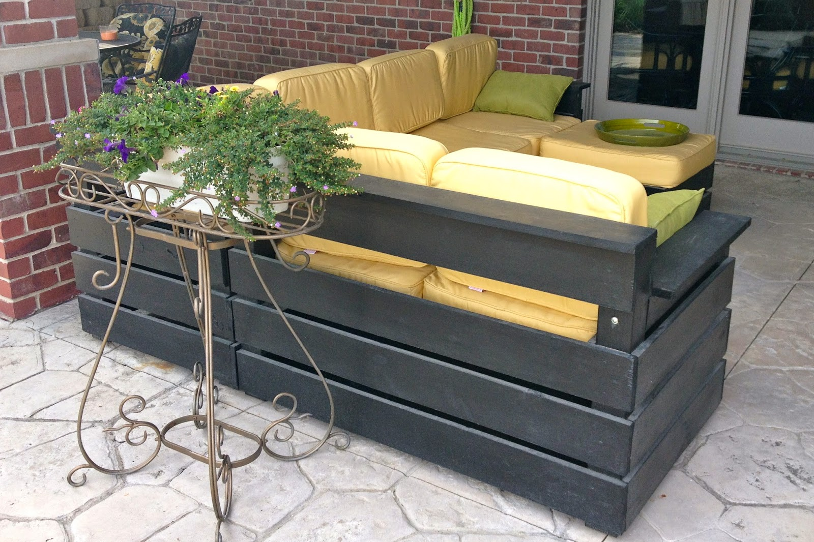 DIY Why Spend More: DIY Outdoor Sectional