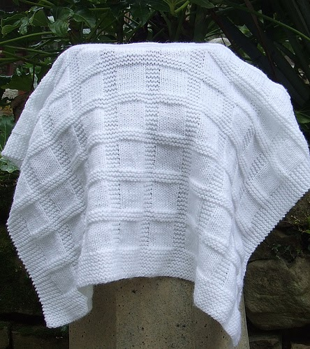 Quick And Easy Knitted Baby Blanket Patterns : knitnscribble.com: Easy baby blankets to knit or crochet