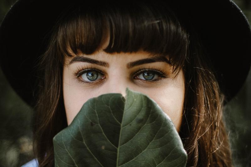 Como Escolher o Formato de Sobrancelhas Adequado para o Seu Rosto