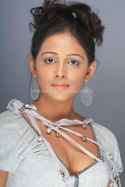 Subhiksha hot show images