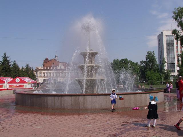 Томск. Фонтан на плошади Новособорной, Городской сад