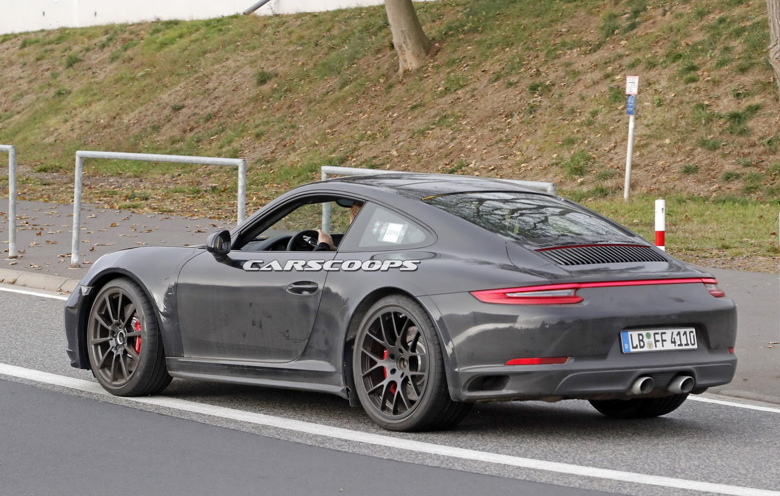 2019 Porsche 911 Comes Out To Work On Its Brand New