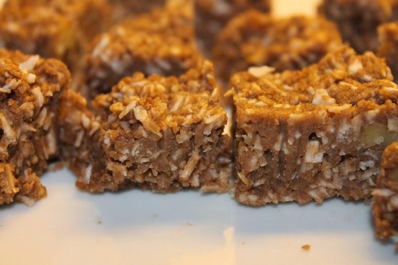 Biscotti raw al cocco senza glutine e zucchero