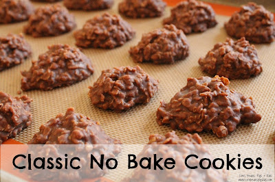 Classic No Bake Cookies - Easy, Quick Chocolate Peanut Butter Cookie #ChristmasCookiesWeek #ChristmasCookies