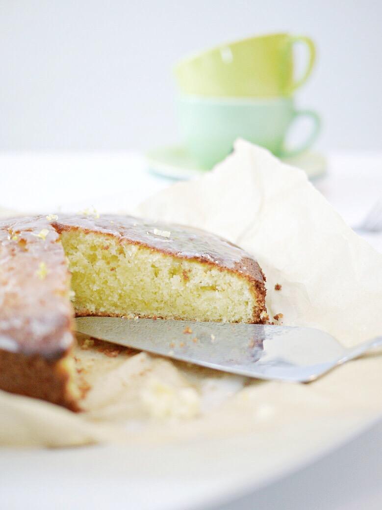 Fluffiger Zitronenkuchen - Rezept.