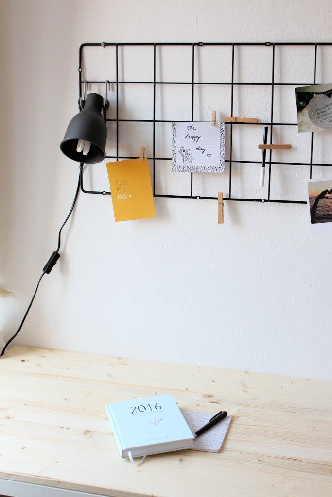 interior schreibtisch pimpen vom langweiligen ikea tisch zum skandinavischen workspace. Black Bedroom Furniture Sets. Home Design Ideas