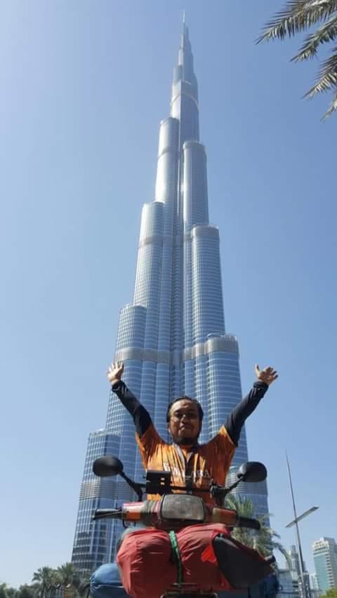 Honda EX5 Pertama Tiba Di Burj Khalifa