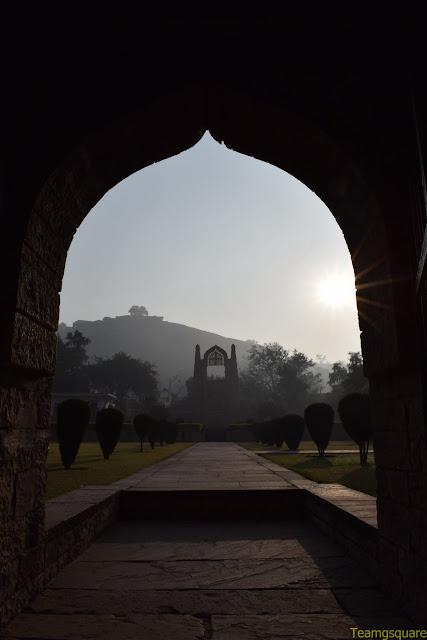 Badal Mahal, Chanderi