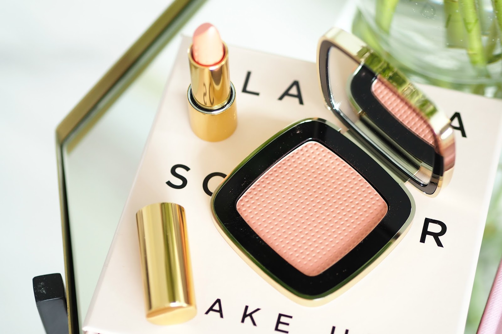 Claudia Schiffer Compact Blusher shade 22 - Passionfruit review