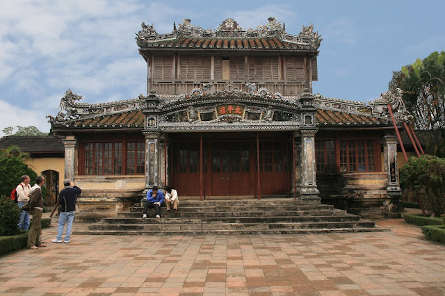 Family Tours in Hue 5