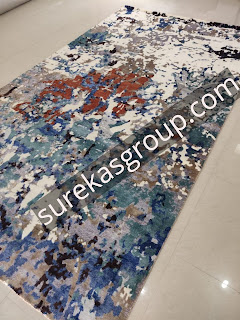 Luxury custom rug made in wool and silk
