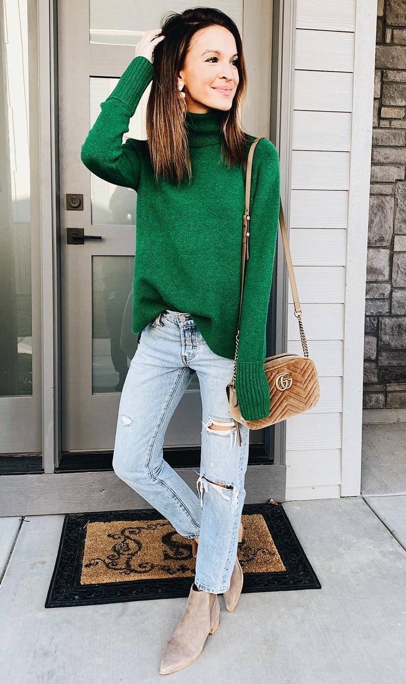 how to wear a green sweater : bag + jeans + boots