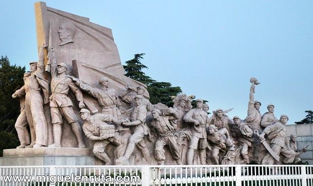 Esculturas-soldados-Tiananmen