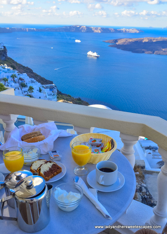 Breakfast with a view in Santorini