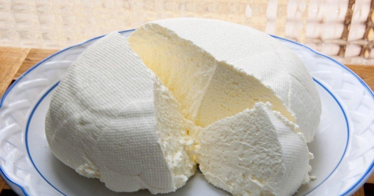 Com apenas 3 ingredientes, você faz este delicioso e saudável queijo caseiro