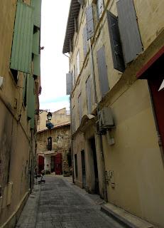Calles de Arlés. La Camarga. La Provenza
