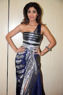 Shilpa Shetty in Leg Split Saree Style Gown at The Dadasaheb Phalke Awards 2017