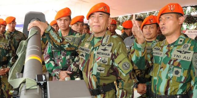 Menhan Ryamizard jadi warga kehormatan Korpaskhas. ©2015 Merdeka.com/Dispenau