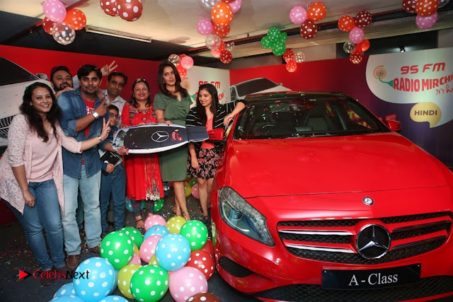 Raashi Khanna at Mirchi 95 Suno Mercedes Jeeto Contest Stills  0028