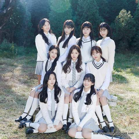 Lagu First Love Lirik Fromis_9