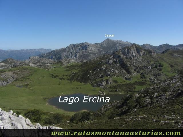 Ruta Lagos de Covadonga PR PNPE-2: Vista del Lago Ercina y La Jascal desde el Mosquital