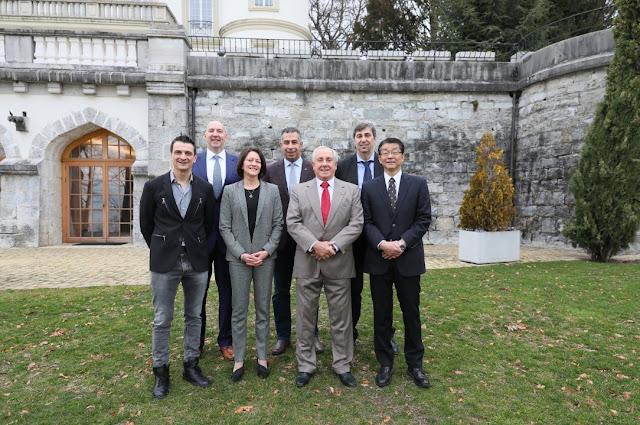 Chủ tịch FIVB quan tâm đến phát triển công nghệ trực tuyến cho các ĐTQG