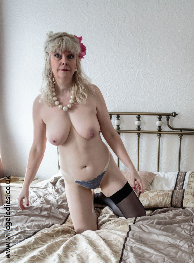 Old lady naked video