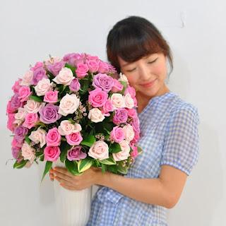 Pink rose arrangement delivered HCMC
