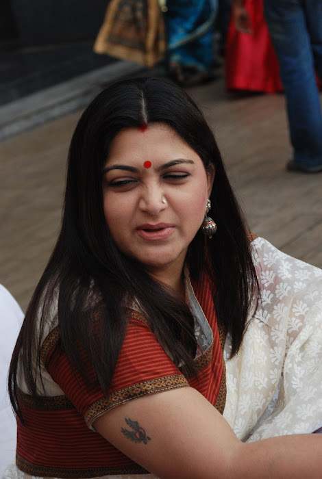 kushboo in saree at big fm et awards hot images