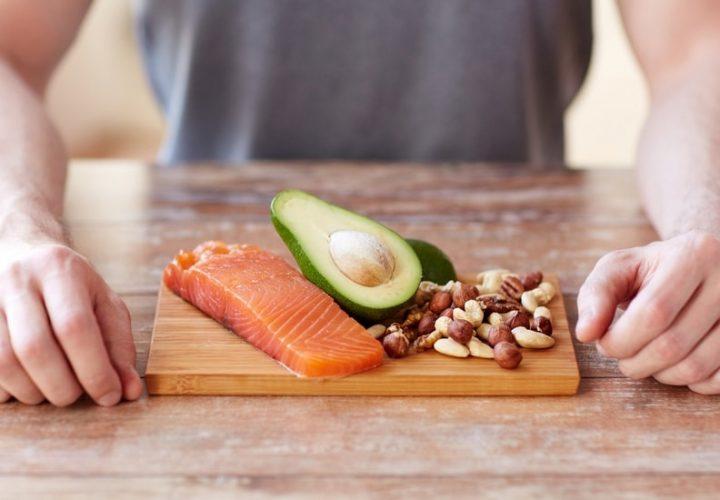 Comer uma dieta mediterrânea com abundância de peixe, frutas, legumes e nozes reduz o risco de depressão