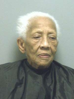 Police: Notorious 86-year-old jewel thief strikes again