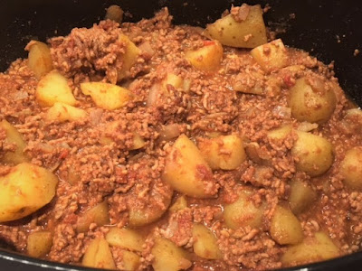 Slow Cooker Bolognese and Potato Hash cooked ingredients in the slow cooker